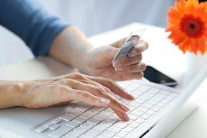 Phương thức thanh toán gọn gàng khi mua thảm lót sàn nhà online