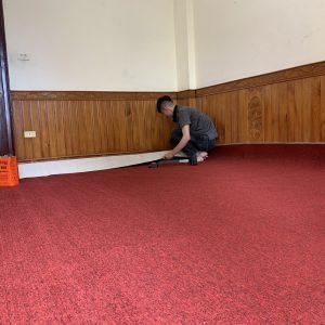 Thảm cuộn cao cấp màu đỏ
